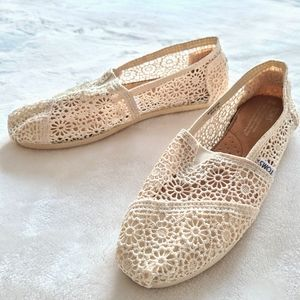New TOMS Cream Lace Shoes